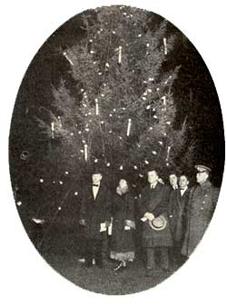 The Coolidge's 1927 Christmas tree