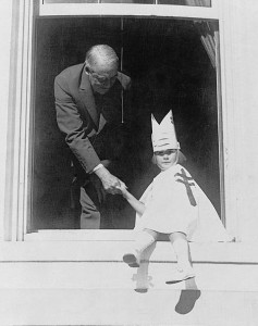 President Harding buying seals for his White House Christmas cards from a young girl with tuberculosis in 1923