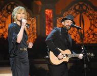 Sugarlands Jennifer Nettles and Kristian Bush performed Gold and Green, the title track off of their new holiday album.