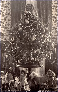 The Cleveland family Christmas tree in 1896