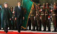 Barack-Obama-inspects-a-g-001